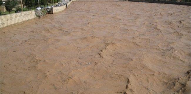 سیل راه ارتباطی ۲۰ روستای معمولان را قطع کرد / تخریب پلهای چم شهران و روستای دمرود افرینه