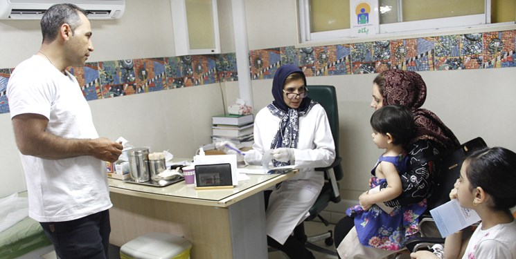 آغاز خدمترسانی ۱۰ درمانگاه سیار ستاد اجرایی فرمان حضرت امام در قم و گیلان