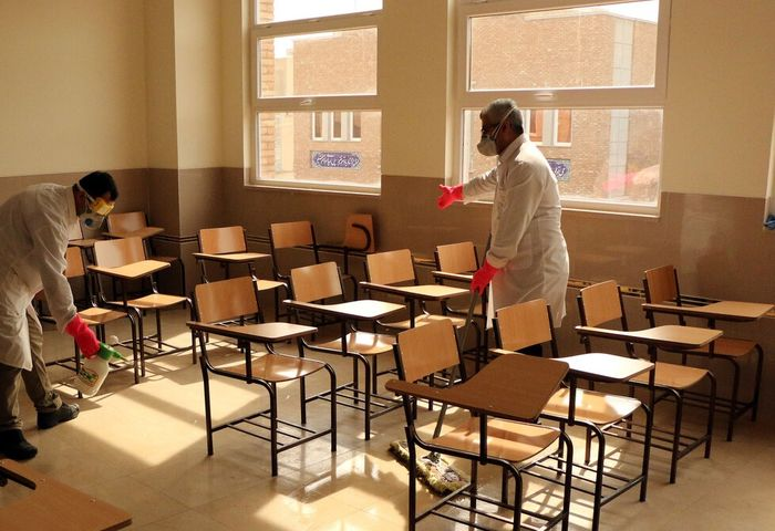 آغاز به کار مدارس در میانه بحران کرونا؛ آری یا خیر؟/ مخالفان و موافقان چه میگویند؟
