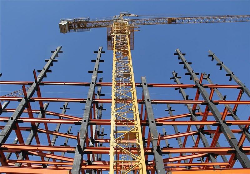 توان ساخت سالانه ۱۰ هزار واحد مسکونی در لرستان/ دولت نمیخواهد در انبوه سازی ساختمان سرمایه گذاری کند/ عدم حمایتهای یارانهای دولت برای ساخت مسکن/ دولت با اختیاراتی که دارد، قیمتها را مصوب کند