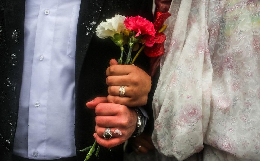 ظلم بانکهای لرستان در حق زوجهای جوان/ ازدواج؛ پَر