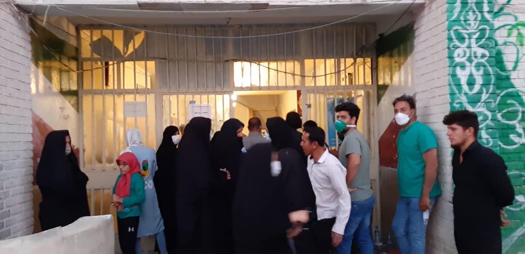 01 1 | حضور شبانه و پرشور مردم شهرستان دلفان در پای صندوق های رای (2) | امید لرستان