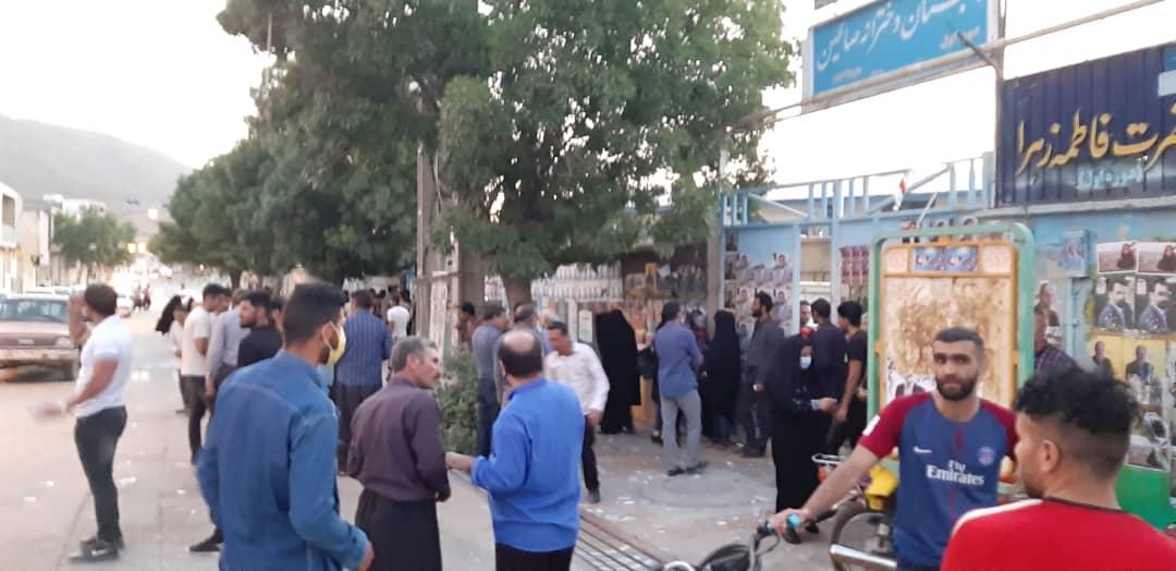 01 6 | حضور شبانه و پرشور مردم شهرستان دلفان در پای صندوق های رای (2) | امید لرستان