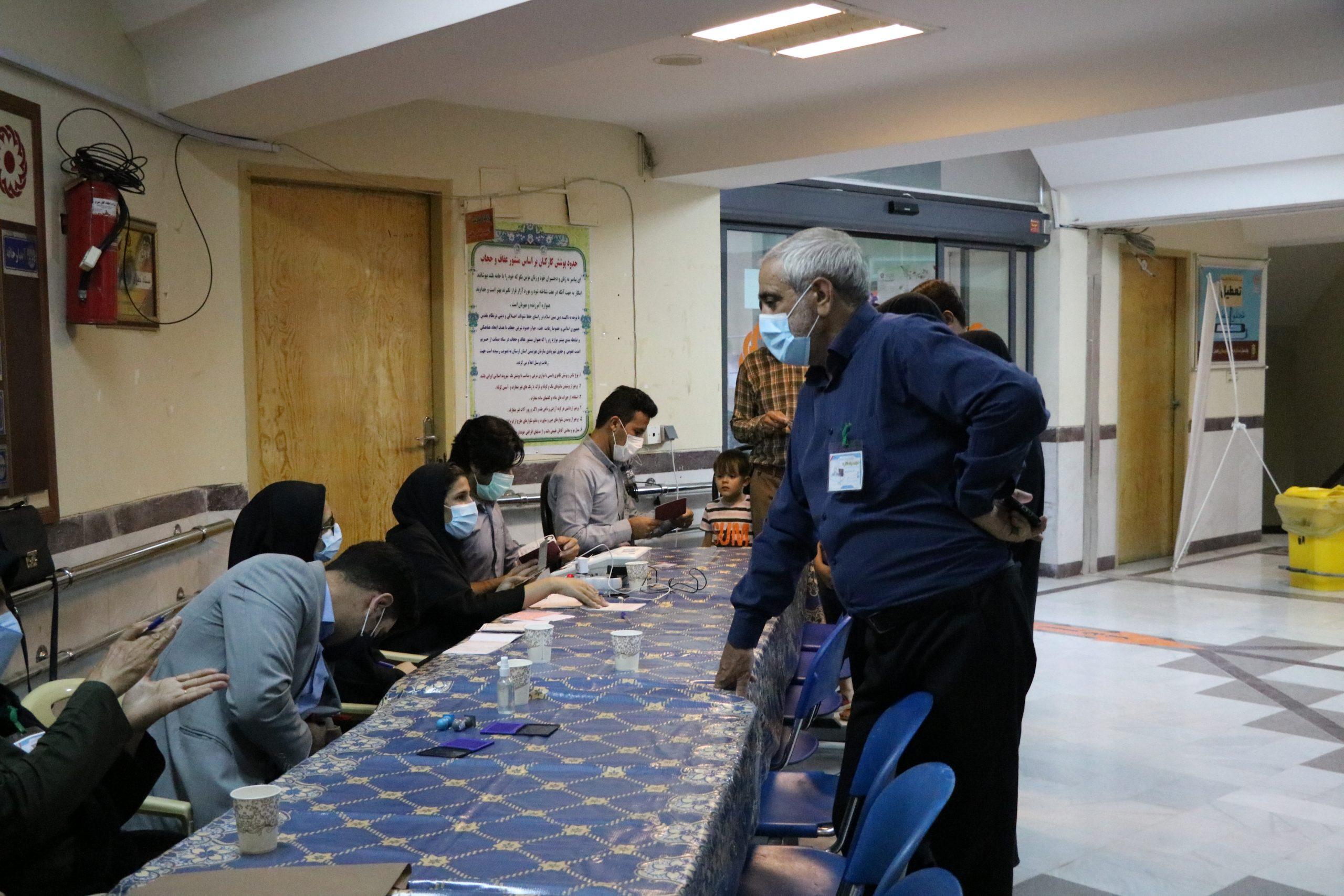 02 2 scaled | حضور پرشور مردم خرم آباد در پای صندوق های رای (2) | امید لرستان