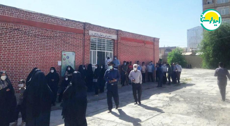 حضور پرشور مردم شهرستان دلفان در پای صندوق های رای