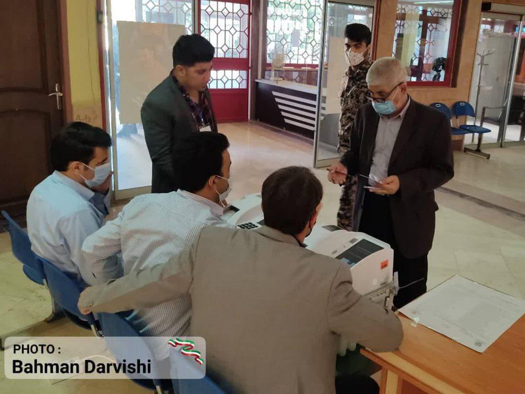 photo ۲۰۲۱ ۰۶ ۱۸ ۱۱ ۵۵ ۲۸   حضور پرشور مردم کوهدشت در پای صندوق های رای   امید لرستان