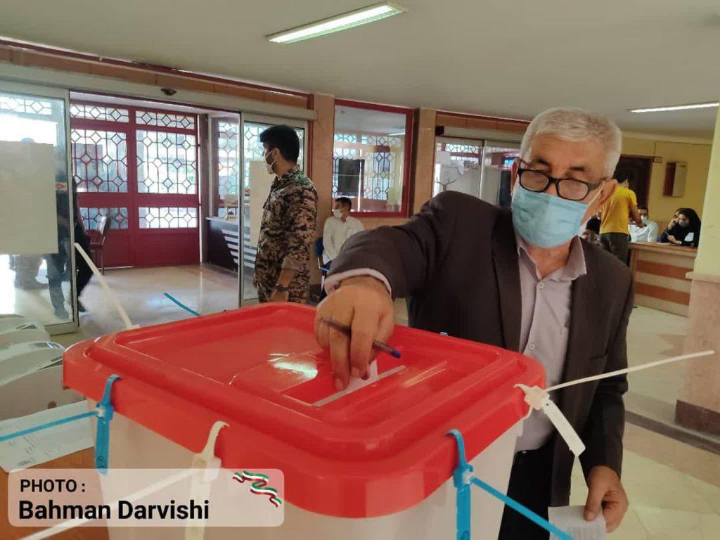 photo ۲۰۲۱ ۰۶ ۱۸ ۱۱ ۵۵ ۲۹ 2   حضور پرشور مردم کوهدشت در پای صندوق های رای   امید لرستان