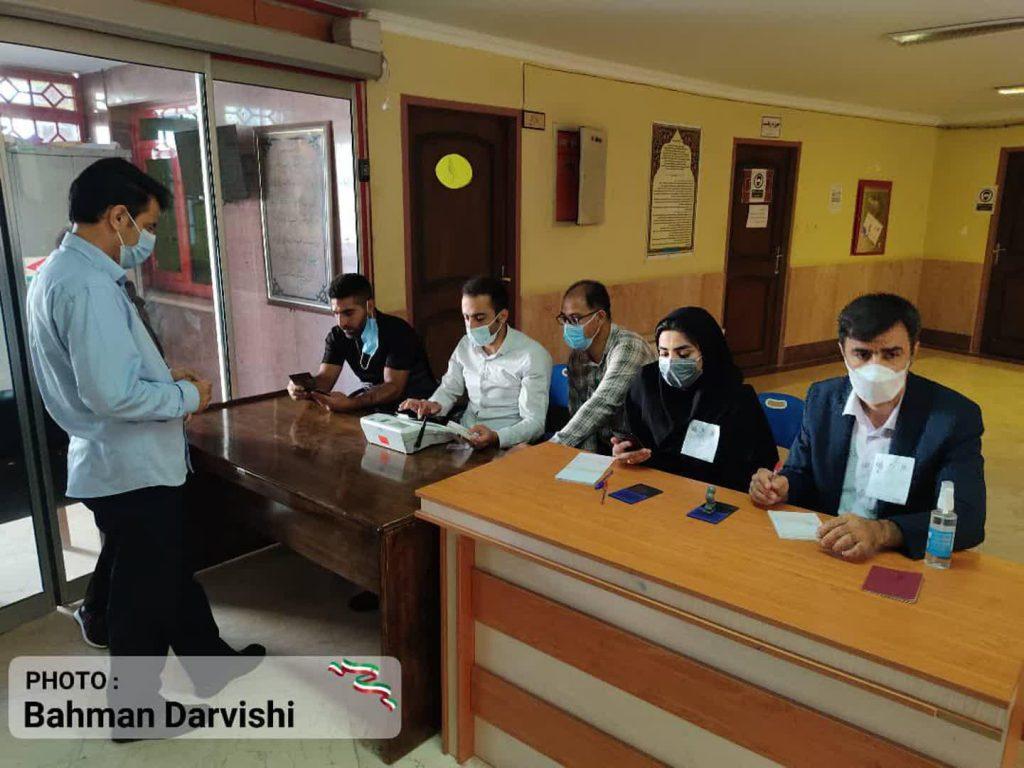 photo ۲۰۲۱ ۰۶ ۱۸ ۱۱ ۵۵ ۳۰ 2   حضور پرشور مردم کوهدشت در پای صندوق های رای   امید لرستان