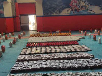 اهدای ۴۰۰ بسته معیشتی به نیازمندان و آسیب دیدگان بیماری کرونا در خرم آباد